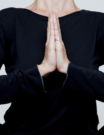 מיתוג משב נפש, מרכז ליוגה טיפולית באווירה יוצרת